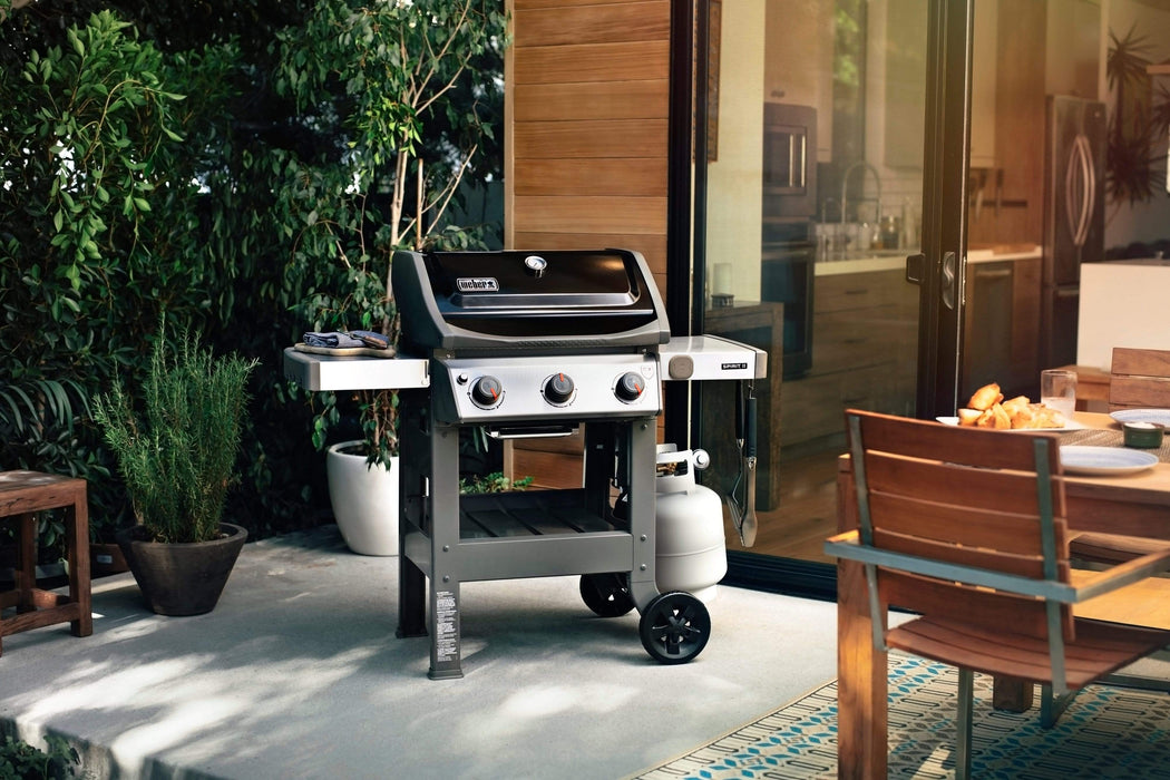 Weber Spirit II E-310 BBQ with Cast-Iron Cooking Grill Grates