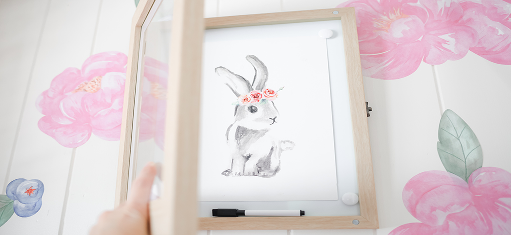 Our Front Opening Picture Frames provide a fabulous way to showcase your children's artwork, photos, school awards, planners, certificates, and memorabilia in a beautiful and modern picture frame.