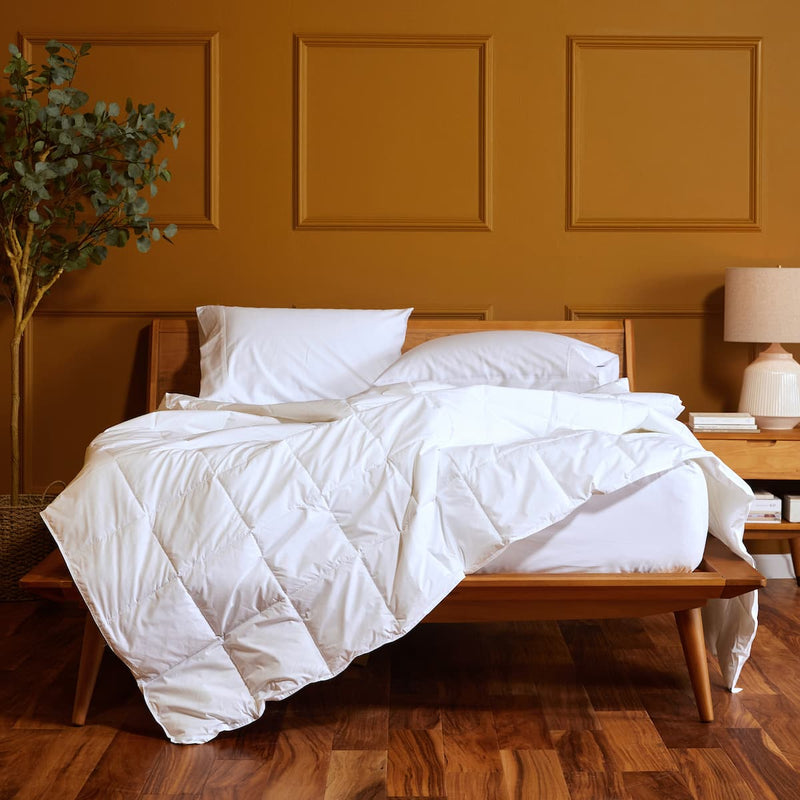 Essential Lightweight Down Alternative Comforter