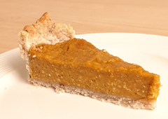Gluten-free and vegan pumpkin pie - after being chilled in the fridge