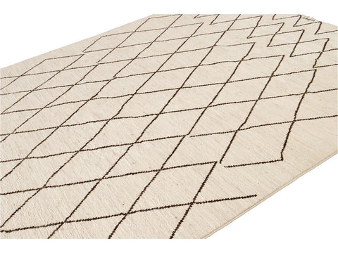 21st- Century Modern Geometric Moroccan-Style Ivory Wool Rug 8 X 10