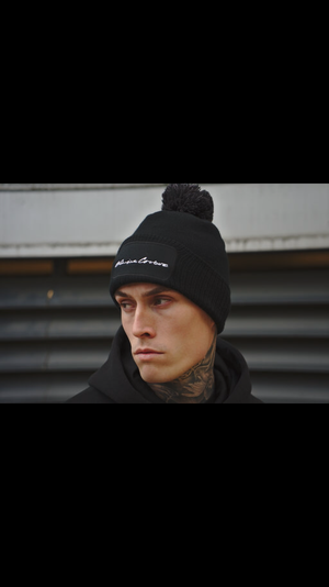 BLACK EXCLUSIVE BEANIE HAT