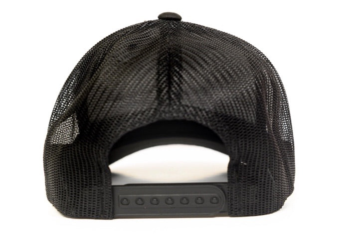 BLACK ICON PLATE MESH TRUCKER