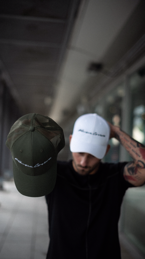 KHAKI MILITARY GREEN SIGNATURE MESH TRUCKER