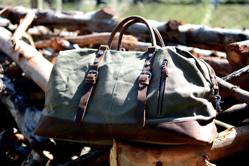 Waxed Canvas and Leather Travel Bag - BeSmashing