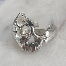 Load image into Gallery viewer, A Royal Broken Skull Ring