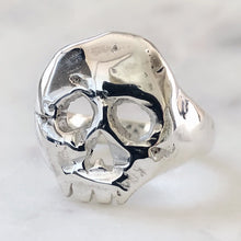 Load image into Gallery viewer, Cut it Out Skull Ring