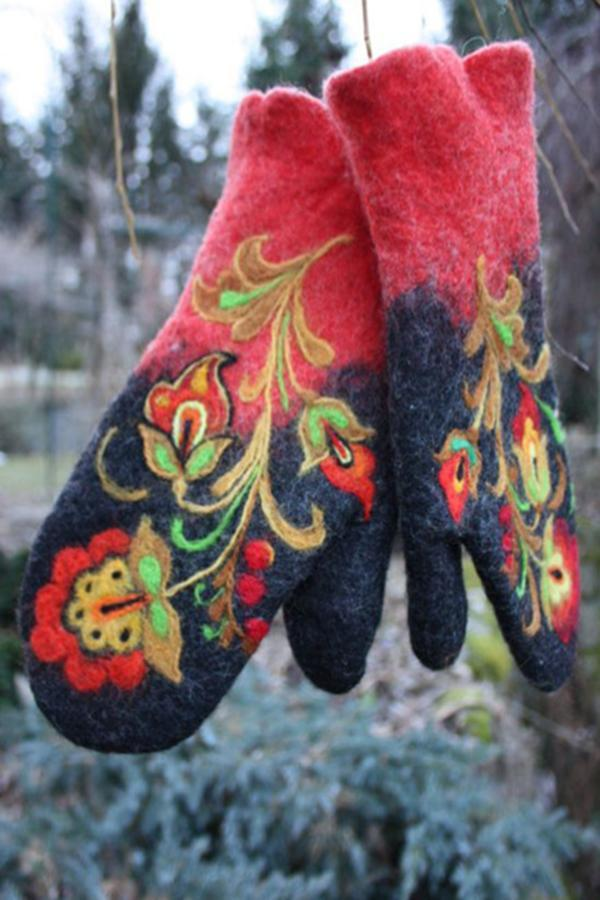 Floral Embroidery Color-block Finger Gloves