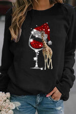 Shining Red Wine Glass With Christmas Hat And Giraffe Print Casual T-shirt