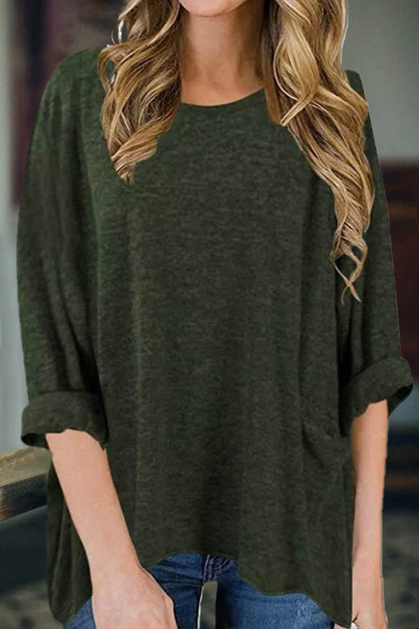 Classic Women Solid Paneled Pocket Crew Neck Long Sleeves T-shirt