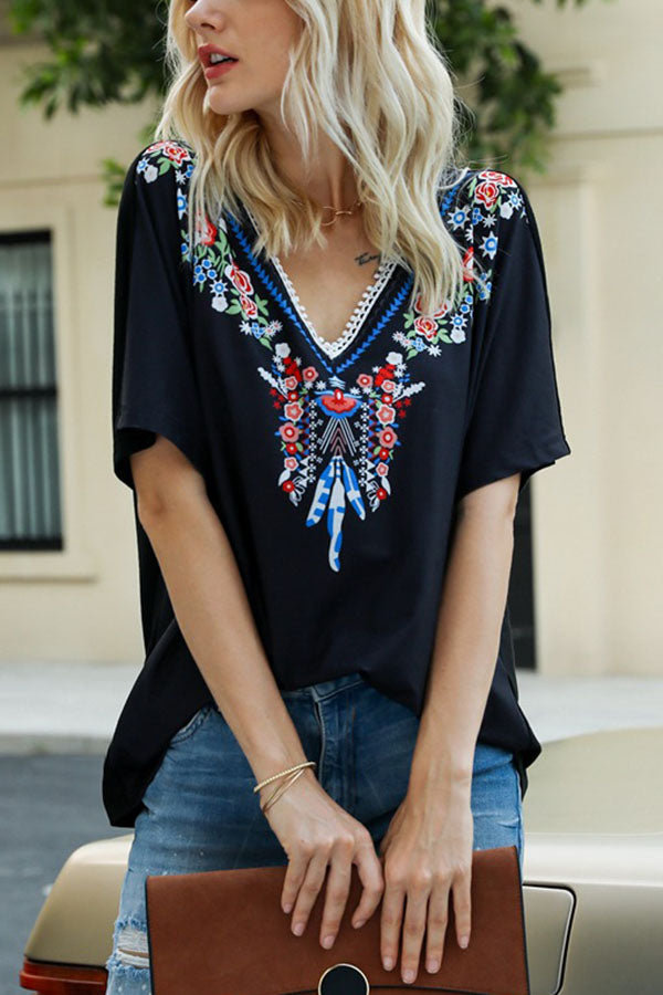 V-neck Casual Floral Print Paneled Lace Short Sleeves T-shirt