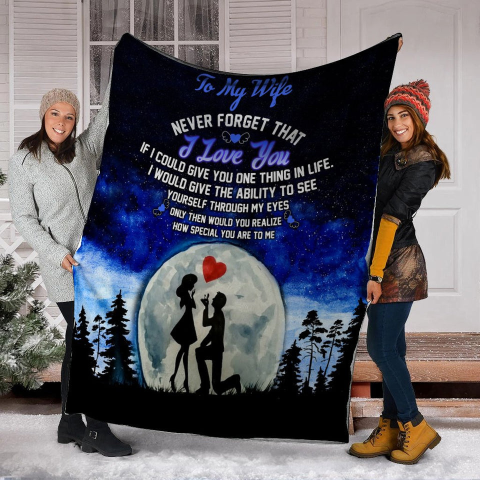 To My Wife Never Forget That I Love You Husband And Wife In the Moonlight Ultra Soft Cozy Plush Fleece Blanket