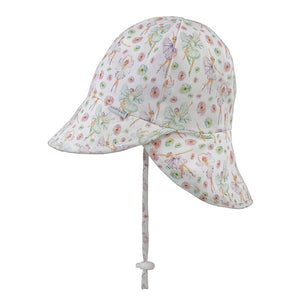 The Bedhead Baby Flap Hat can be worn from birth. Made from a two-way stretch cotton fabric with stretchy elasticated band on the inside for a comfortable fit. UPF50+. BEST SUITED TO: Newborns, crawlers and toddlers still using prams, strollers, car seats, carriers & slings.