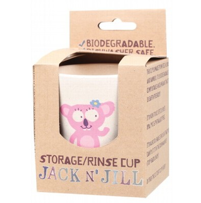 Made from bamboo & rice husks, this biodegradable cup is earth friendly and cute! With a matte finish and a familiar face, it is perfect for hygienically storing Jack N' Jill products in the bathroom, rinsing after brushing. Naturally BPA & PVC Free.Dishwasher safe.Dimensions: 9cm (height) x 8cm (top diameter).