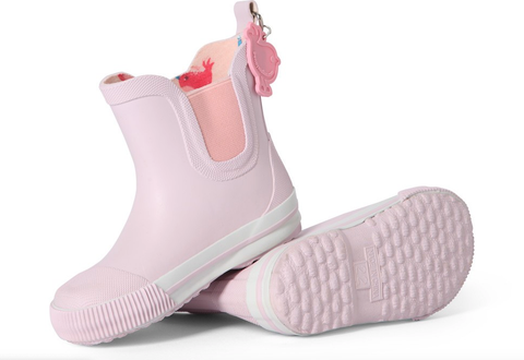 100% waterproof rubber gumboots Elasticised sides make them easy to pull on and off Penny Scallan signature print on the inside Toe guard for added durability. The perfect baby or toddler shoe / gumboot