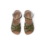 With hand-stitched, scuff-resistant genuine leather uppers and non-slip moulded rubber soles and rustproof buckles, this sandal is  designed to stand the test of time. Great for wearing both in and out of the water, they're  also a breeze to clean. A true classic, adored worldwide. Children and toddler sizes.
