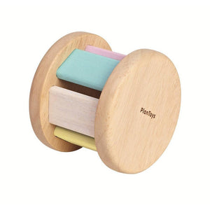 When rolling, the wooden ball inside hits the panel and creates a sound. Helps stimulate hearing and vision. Suitable from 6 mths+ Product Dimension: 6.5x6.5x5.5 cm / 2.56x2.56x2.17 inch Item Weight: 0.06 kg / 0.132 lbs