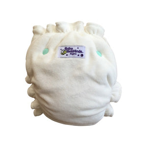 This Modern Cloth Night Nappy has side snaps to allow independent fastening at the waist and thigh for the perfect fit. Customised Bamboo Fleece for superior absorbency - you can get up to 23 layers of absorbency with this style of MCN. Outer layer of organic cotton velour.
