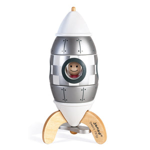 "The 5 parts of the iconic Janod rocket are easy to assemble using magnets. 2 in 1 magnetic game, it allows both children to assemble and disassemble it endlessly, but also to spend hours inventing stories! Dimensions: 6.5 x 6.5 x 16 cm (2.6 x 2.6 x 6.3"") Materials: Wood (beech and cherry wood)"