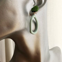Load image into Gallery viewer, Jelli Resin Dangle Earrings