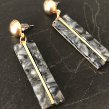 Load image into Gallery viewer, Gisela Resin Earrings