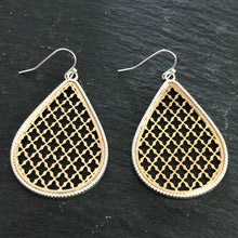 Load image into Gallery viewer, Roya Tear Drop Earrings