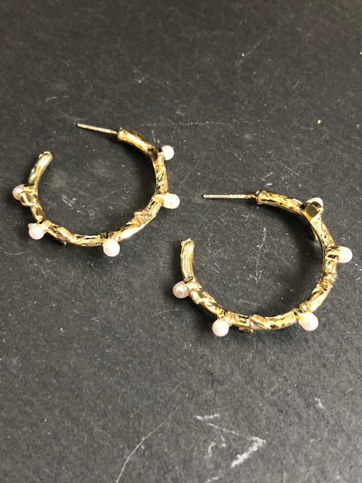 Maiara Maxi Hoop Pearl Earrings