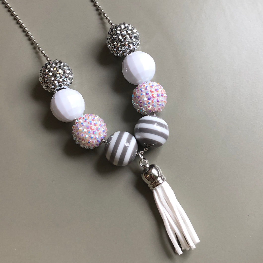 Demelza Kids' Necklace in White & Gray