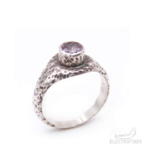 Petite Mantle Signet Ring, Amethyst