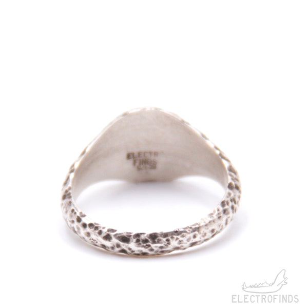 Petite Mantle Signet Ring