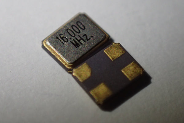 16.000mHz SMD crystal
