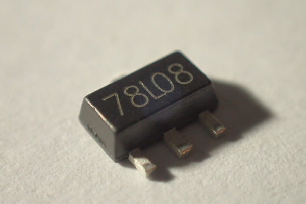 78lO8 SOT89 8V voltage regulator