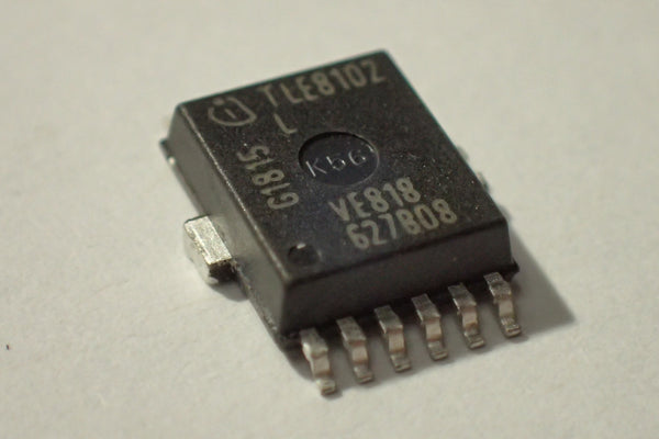 TLE8102 Power switch IC