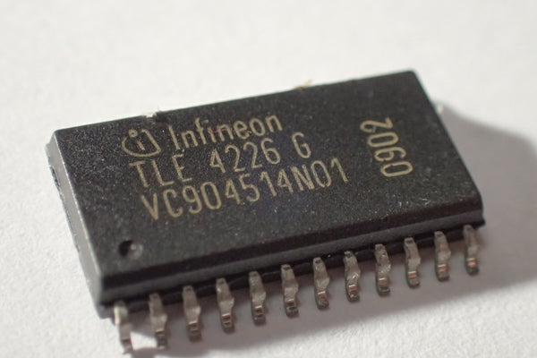 TLE 4226 G TLE4226G, Intelligent Sixfold Low-Side Switch, DSO-24