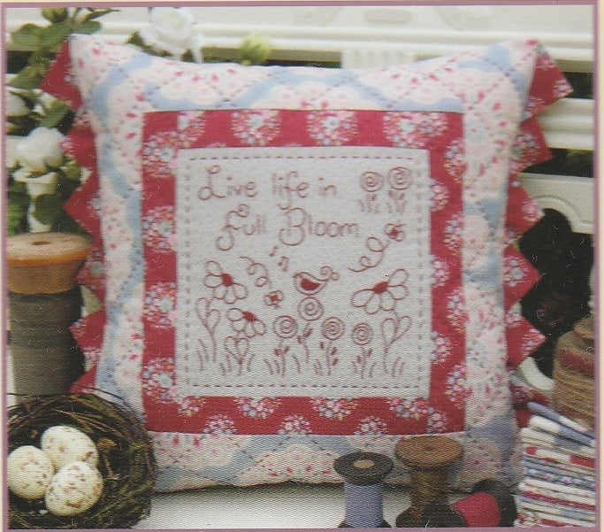 Full Bloom Cushion Pattern