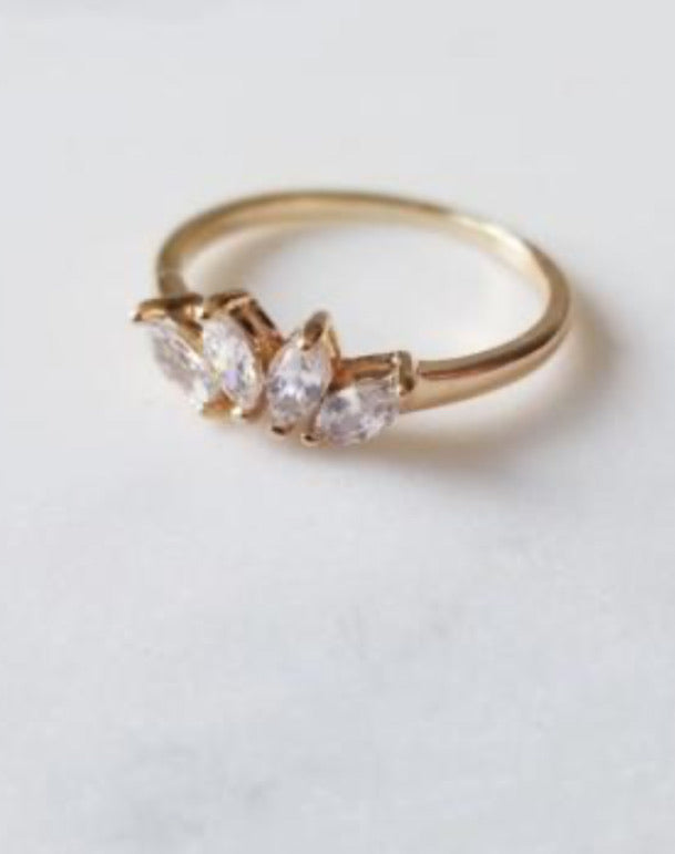 Versaille stacking ring