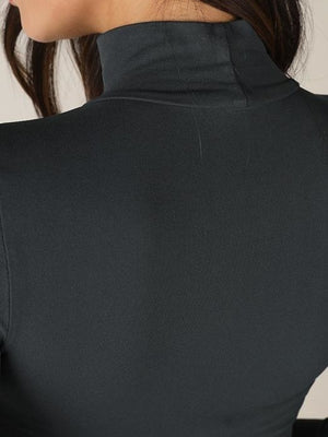 The layering mock neck O/S