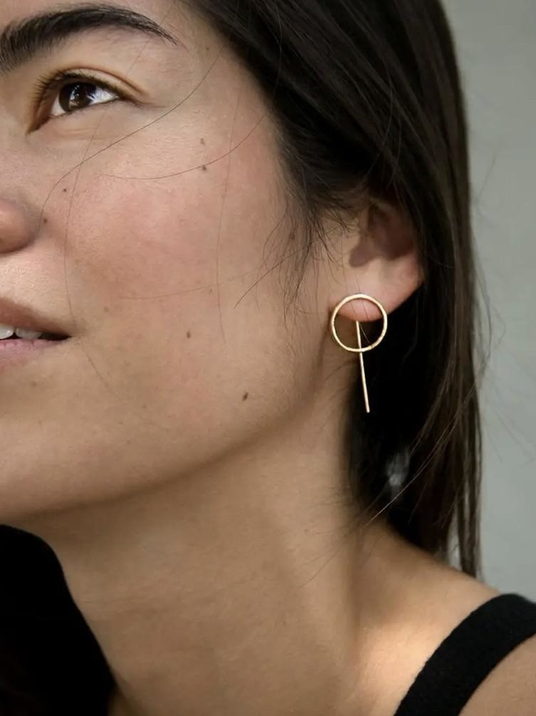 Circle and line threader earrings by Anethum
