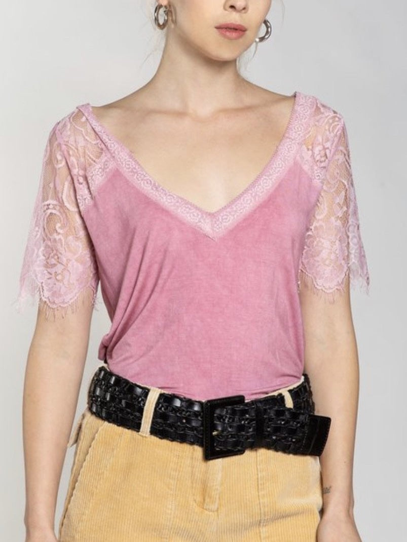 The Katy Lace trimmed Vneck in plum