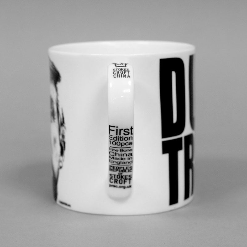 Dump Trump commemorative Mug