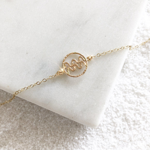 Personalize your jewelry with your own zodiac sign and enjoy our delicate and feminine zodiac bracelet. Zodiac sign bracelet made of 14K Gold Filled.