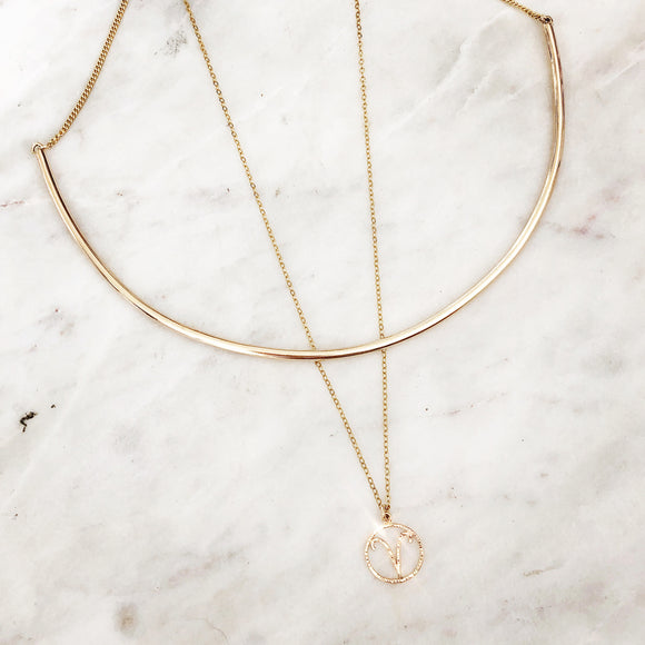 Classic Curved Bar Necklace