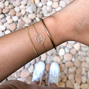 Classic Curved Bar Bracelet