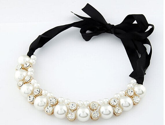 Pearl Ribbon Necklace with Rhinestones Black - Babe You