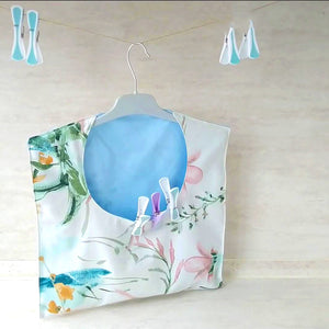 Make this fun hanging bag to small small items in your room or to give as a gift