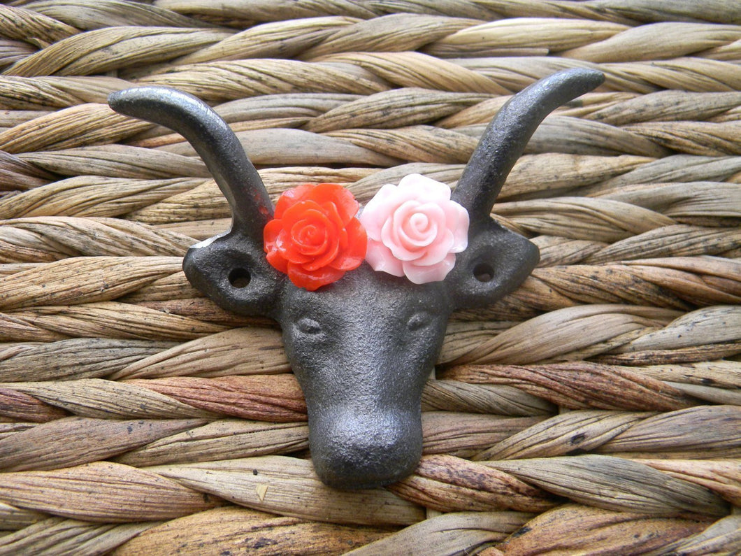 Cast Iron Wall Hook, Western Rustic Longhorn Steer Farmhouse Décor, Red Rose Pink Rose Cow