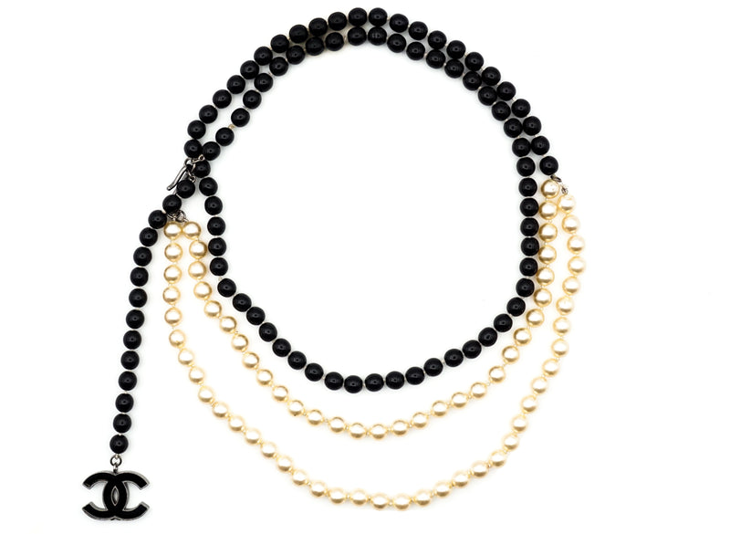 Chanel Classic Black & White Pearl Necklace / Belt