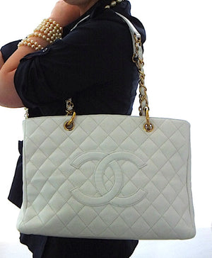 Authentic Chanel Caviar White (GST)