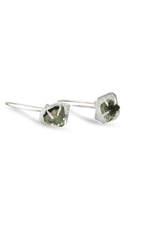 Prong set sapphire dangle earring.