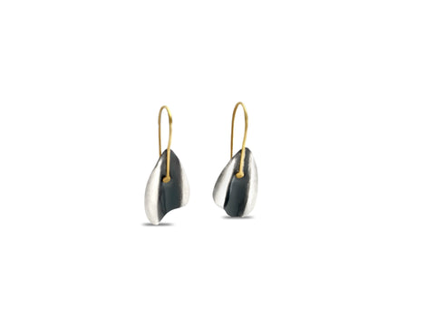 Domeleaf Earrings - gold pattieparkhurst